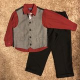 Boys Burgundy & Black 4 Pc Suit, Sz 4 in Fort Campbell, Kentucky
