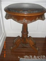 Vintage Bronze and solid wood Louise XVI Round marble table in Alamogordo, New Mexico