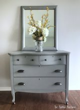 Dresser and Mirror in St. Charles, Illinois