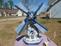 VINTAGE LARGE DELFT HAND PAINTED CERAMIC WINDMILL LAMP in Cherry Point, North Carolina