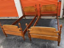 Vintage Twin Bed Set Maple Acorn Posts in Cherry Point, North Carolina