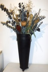 Black Metal Vase w/artificial Plants ~ 3ft Tall Home Decor in Orland Park, Illinois