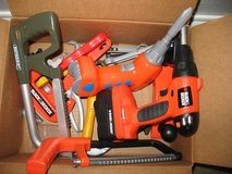 Lot of kids play work tools in Naperville, Illinois