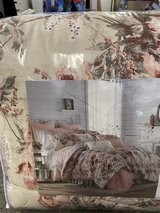 4 piece Comforter set in Fort Riley, Kansas