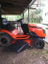 20HP Ariens Riding lawnmower in Cleveland, Texas