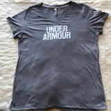 Under Armour gray T-Shirt size Large in Wiesbaden, GE