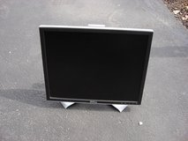 "DELL 19 "" FLAT SCREEN MONITOR in Yorkville, Illinois"