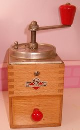 Vintage Wood KYM-KYM German Coffee Grinder in Grafenwoehr, GE