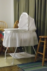 Infant Baby BASSINET on Wheels in Travis AFB, California