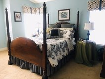 Queen four poster bed in Camp Pendleton, California