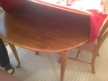 Ethan Allen Table and 6 Chairs in Batavia, Illinois