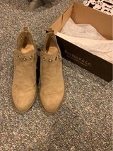 Women's Boots sz 7 in Glendale Heights, Illinois