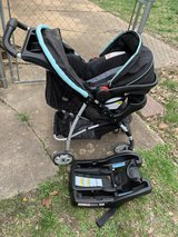 stroller/carseat combo with base in Fort Leonard Wood, Missouri
