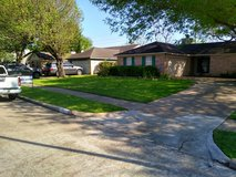 Really Awesome Lawncare in Pasadena, Texas