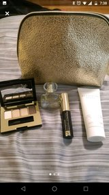 Estee Lauder Gift Bag in Bolingbrook, Illinois