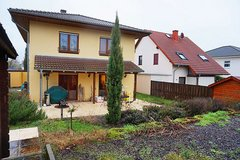 One single family house w/ fireplace- 20 min to Clay in Wiesbaden, GE