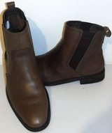 Like New! Sz 9 Men's Vionic Declan Pull on Brown Leather Boots in Naperville, Illinois