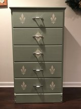 Shabby chic chest of drawers in Aurora, Illinois