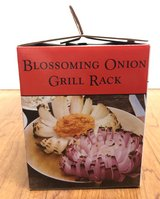 NIB Blossoming Onion Grill Rack in Fort Campbell, Kentucky