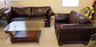 Leather couch set in Bolingbrook, Illinois