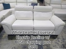 Leather sectionals and loveseats in The Woodlands, Texas