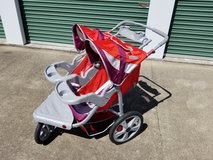 In STEP Double Jogging Stroller - in Clarksville, Tennessee