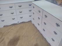 2 matching chest of drawers in Fort Polk, Louisiana