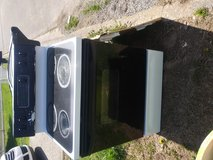 Self cleaning glass top stove in Clarksville, Tennessee