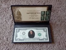 THOMAS JEFFERSON COLORIZED NOVELTY TWO DOLLAR $2 BILL IN FOLDER AND WITH STAMPS in Chicago, Illinois