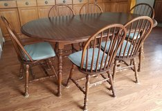 Wood kitchen table and 6 chairs plus cushions in Elizabethtown, Kentucky