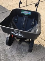 Scotts Turf Builder Mini Spreader. in Chicago, Illinois