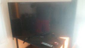42 in flat screen tv for sale in perfect condition in Fort Leonard Wood, Missouri