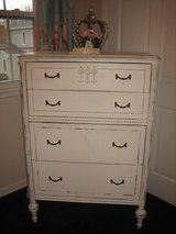 shabby chi chest of drawers ViNtAgE in Westmont, Illinois