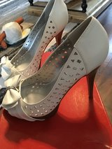 Guess high heels NWT 7 in Travis AFB, California
