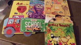 BOOKS - CHILDREN - HARD BACK in Naperville, Illinois