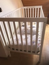 Baby crib US size in Grafenwoehr, GE