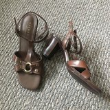 Like new! Women's Sandals Shoes Axcess Sz 6 in Chicago, Illinois