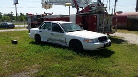 2006 crown vic cop car in Cleveland, Texas