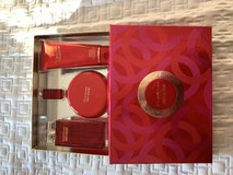 Elizabeth Arden Red Door perfume set in Quantico, Virginia