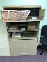 Hon Roll-out 5 drawer Filing cabinet in Fort Belvoir, Virginia