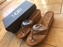 Brand New UGG's Size 10 in Wiesbaden, GE
