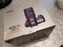 brand new canon EOS 5d Mark iv in Ansbach, Germany