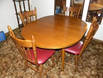 DINING TABLE % 6 CHAIRS in Alamogordo, New Mexico