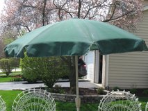 Green Canvas Umbrella with Cast Iron Stand- 6 1/2 ft in Joliet, Illinois