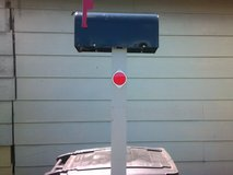 Brand New Rual Postal Mail Box & Post assembly in Pearland, Texas