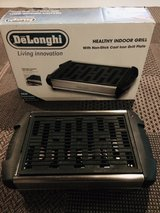 DeLonghi Healthy Indoor Grill with cast iron grill plate in Naperville, Illinois