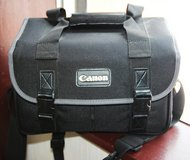 Canon bag in perfect conditions in Okinawa, Japan