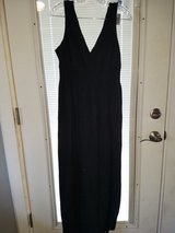 Old navy long black dress size large in Chicago, Illinois