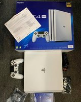 Sony PS4 Pro 1TB Glacier WHITE Limited Edition in Ansbach, Germany