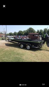 22 ft speed boat in Fort Campbell, Kentucky